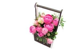 Ramo de las flores en una caja, Booker de las rosas para el día de madre Rose en una caja de regalo Flores el 8 de marzo Día feli fotos de archivo