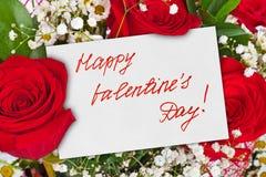 Ramo de las rosas y tarjeta del día de tarjetas del día de San Valentín fotografía de archivo libre de regalías