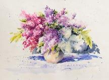 Ramo de lilas blancas y violetas en acuarela del florero dolidas Fotografía de archivo