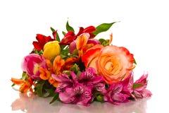 Ramo de lirios y de rosas Imágenes de archivo libres de regalías