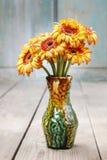 Ramo de margaritas anaranjadas del gerbera Imagen de archivo libre de regalías