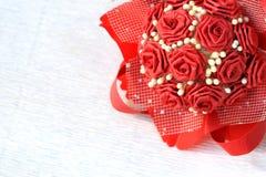 Ramo de papel hermoso de las rosas aislado en el fondo blanco Imágenes de archivo libres de regalías