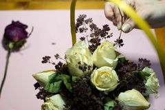 Ramo de rosas blancas foto de archivo