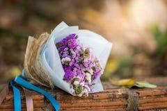 Ramo de rosas en su día de boda Imágenes de archivo libres de regalías