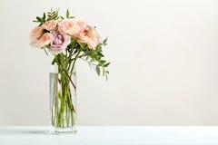 Ramo de rosas hermosas imágenes de archivo libres de regalías