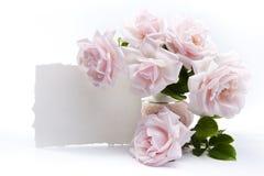 Ramo de rosas para las tarjetas de felicitación románticas Foto de archivo libre de regalías