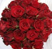 Ramo de rosas rojas Fotos de archivo libres de regalías