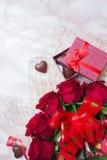 Ramo de rosas rojas imagen de archivo