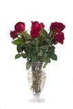 Ramo de rosas rojas en un florero de cristal Fotografía de archivo libre de regalías