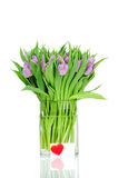 Ramo de tulipanes en el florero Fotografía de archivo
