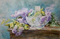 Ramo del lillà in un vaso a cristallo immagine stock libera da diritti