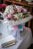 Ramo del vintage de flor color de rosa - decoración de la boda, fondo para el amor y el día y el cumpleaños de la tarjeta del día Foto de archivo libre de regalías