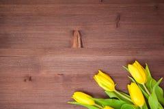 Ramo en el fondo de madera Fotos de archivo