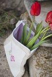 Ramo festivo de tulipanes Fotos de archivo libres de regalías