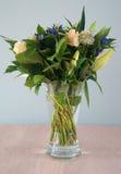 Ramo fresco de flores fotografía de archivo