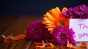Ramo hermoso de diversas flores