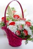 Ramo hermoso de rosas rojas del lirio y del crisantemo Fotografía de archivo