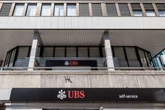 Ramo local de UBS Union Bank Switerland em Genebra O UBS é um dos bancos principais do país, famosos para seu secretismo do banco imagens de stock royalty free