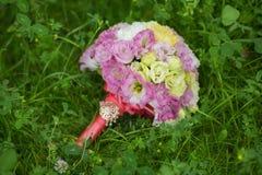 Ramo nupcial de diversas flores Imágenes de archivo libres de regalías