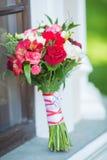 Ramo nupcial de diversas flores Imagen de archivo