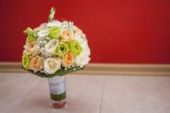 Ramo nupcial de flores Fotografía de archivo libre de regalías