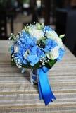 Ramo nupcial de la boda azul de hortensias Foto de archivo
