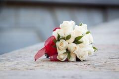 Ramo nupcial de rosas Fotografía de archivo libre de regalías