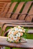 Ramo nupcial de rosas hermosas para una boda Imagenes de archivo