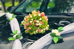 Ramo nupcial Wedding un ramo de pequeñas rosas Imágenes de archivo libres de regalías