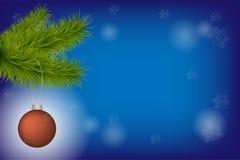Ramo realistico dell'abete dell'albero di Natale di vettore con la palla rossa di natale su fondo vago con le stelle e bokeh per  fotografie stock