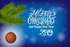 Ramo realistico dell'albero di Natale di vettore con la palla di natale su fondo vago con iscrizione, le stelle e il bokeh per il fotografia stock