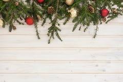 Ramo Spruce com decoração Fotos de Stock Royalty Free