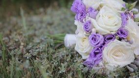 Ramo y anillos de la boda almacen de metraje de vídeo