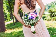 Ramo y novia preciosos de la boda Fotos de archivo libres de regalías