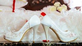 Ramo y talones de lujo hermosos para la novia Imágenes de archivo libres de regalías