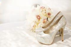 ramo y talones de lujo para la novia Imagenes de archivo
