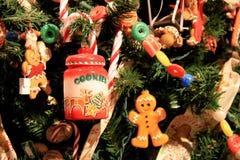 Ramos de árvore do Natal com ornamento do feriado Imagem de Stock Royalty Free