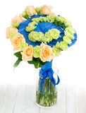 Ramowy bukiet świezi kwiaty, trend nowożytny floristry Obrazy Stock