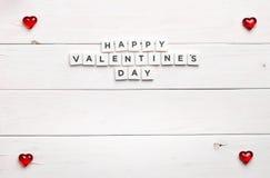 Ramowy i Szczęśliwy valentine ` s dzień na drewnianym tle Fotografia Stock
