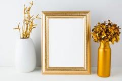 Ramowy mockup z złotym wystrojem Fotografia Stock