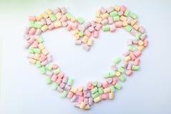 Ramowy serce robić marshmallows Pojęcie dzieciństwo Zdjęcie Royalty Free