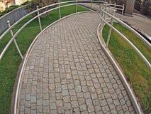 Ramp para desafiado físicamente del pavimento del granito imagen de archivo libre de regalías