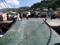 Rampa del transbordador abajo en el embarcadero de Kingstown Fotos de archivo libres de regalías