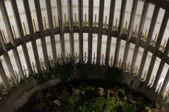 Rampa espiral del aparcamiento en la noche Imágenes de archivo libres de regalías