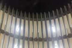 Rampa espiral do parque de estacionamento na noite Foto de Stock Royalty Free