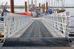 Rampa moderna do barco do metal fotografia de stock