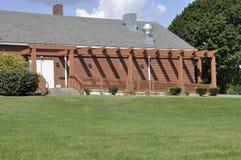 Rampa perjudicada por el edificio de ladrillo Foto de archivo