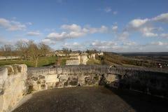 Rampart Coucy le Chateau dans les Frances images stock