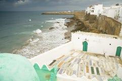 Ramparts di Asilah sopra l'Oceano Atlantico fotografie stock libere da diritti
