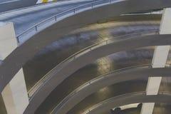 Rampe circulaire dans le garage image stock